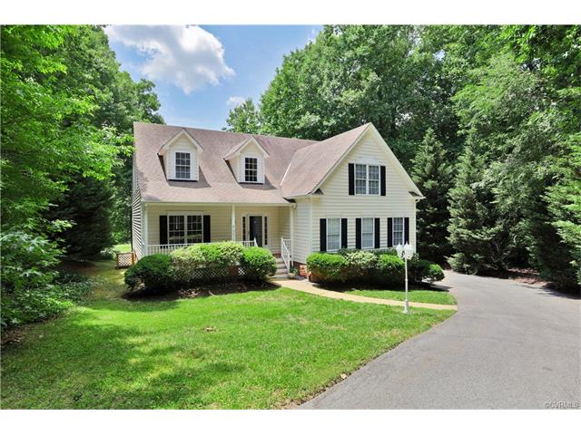 Birkdale Transitional Home Just Listed!